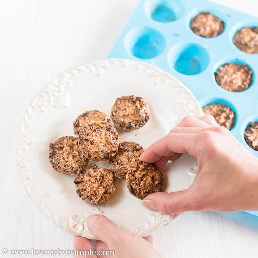 4-Ingredient Pumpkin Pie Spice Pecan Bites in Silicone Mini Muffin Pan | Low-Carb, So Simple