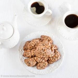 4-Ingredient Pumpkin Pie Spice Pecan Bites | Low-Carb, So Simple