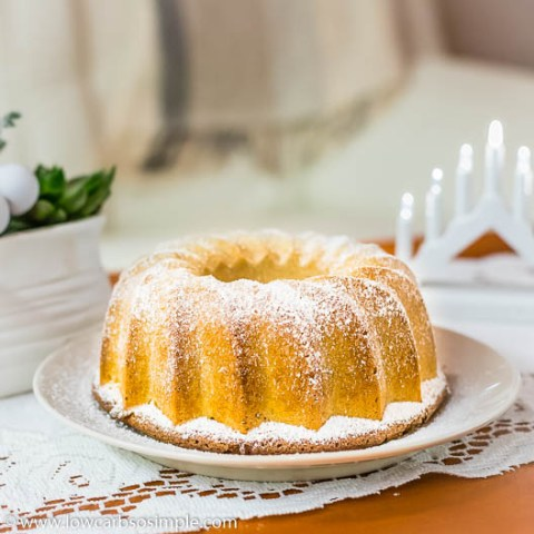 5-Ingredient Keto Austrian Cinnamon Cake | Low-Carb, So Simple