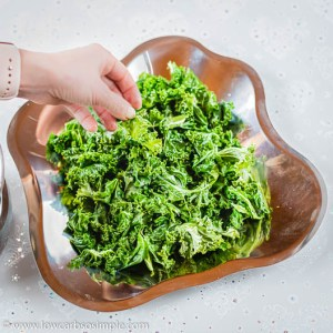Adding Kale on a Serving Plate   Low-Carb, So Simple