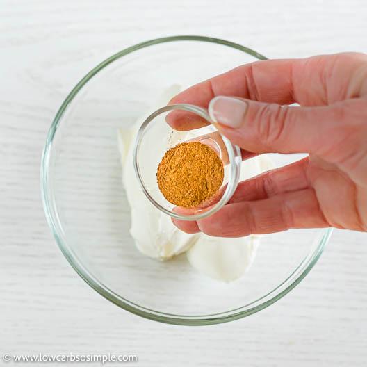 Adding Ceylon Cinnamon | Low-Carb, So Simple