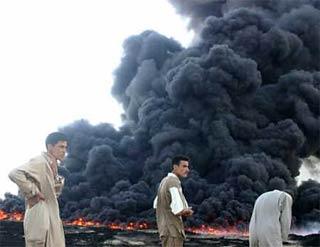 iraq_pipeline_burning.jpg