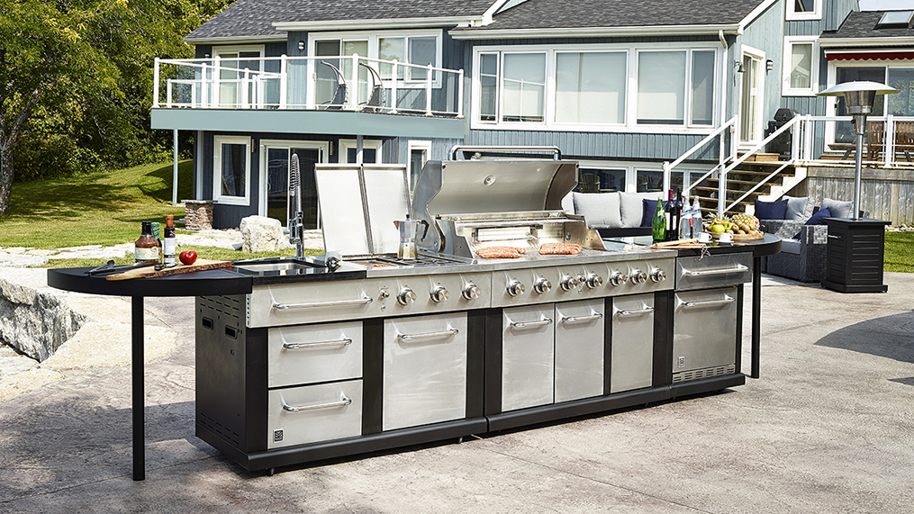 serve up the ultimate outdoor kitchen