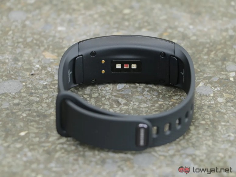 Samsung-GearFit-2-Lightning-Review-IMG_6555