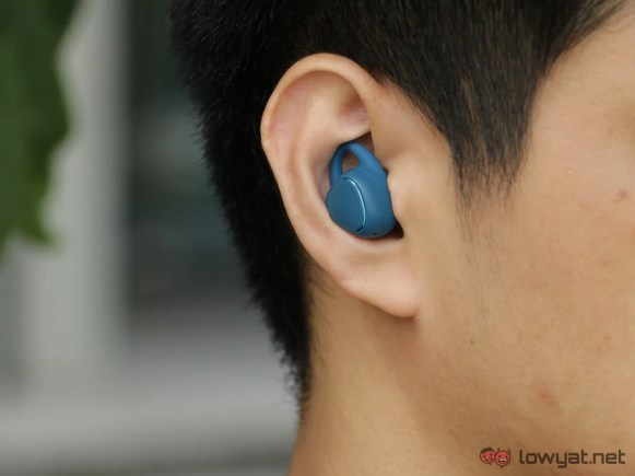 Samsung-Gear-IconX-Lightning-Review-IMG_6617