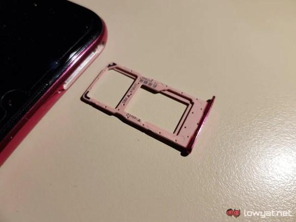 HONOR-20-Lite-sim-card-slot