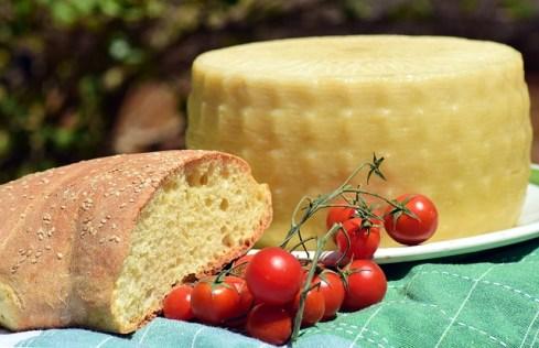 cheese-2388482_640