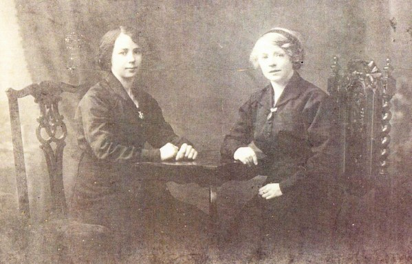 avid Brown's sisters, Margaret (left) and Florence (right), wearing Loyals sweetheart brooches.