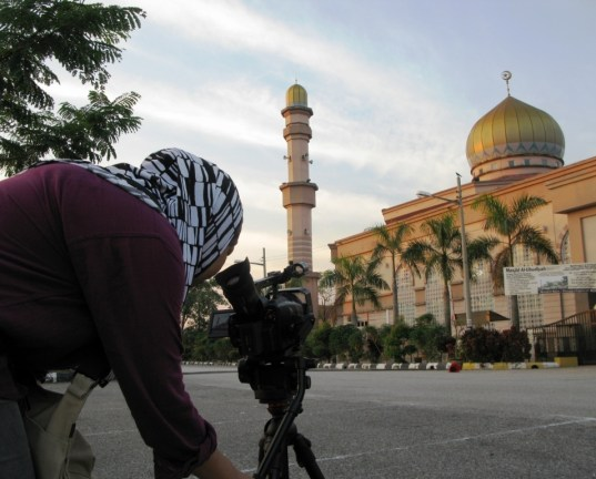 Getting this opening visual and audio meant setting up and waiting till the sky was the right colour and Maghrib call to prayer.