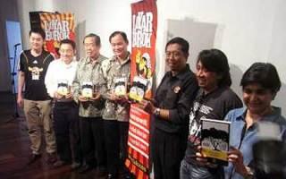Mkini: Nizar A Hit At Book Launch On BN's Perak Takeover [w/VIDEO] (12 Dec 2010, 2245)