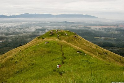 Broga Hill | Credit: http://www.flickr.com/photos/xiangxi
