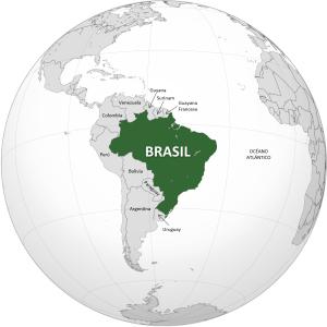 Bola del mundo donde puede verse resaltado el mapa de brasil en verde