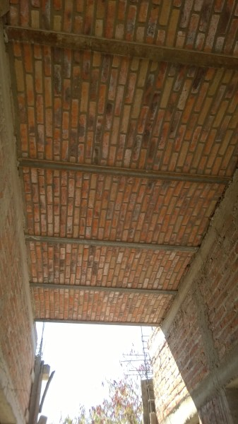 Pretty boveda ceilings in the hallway.
