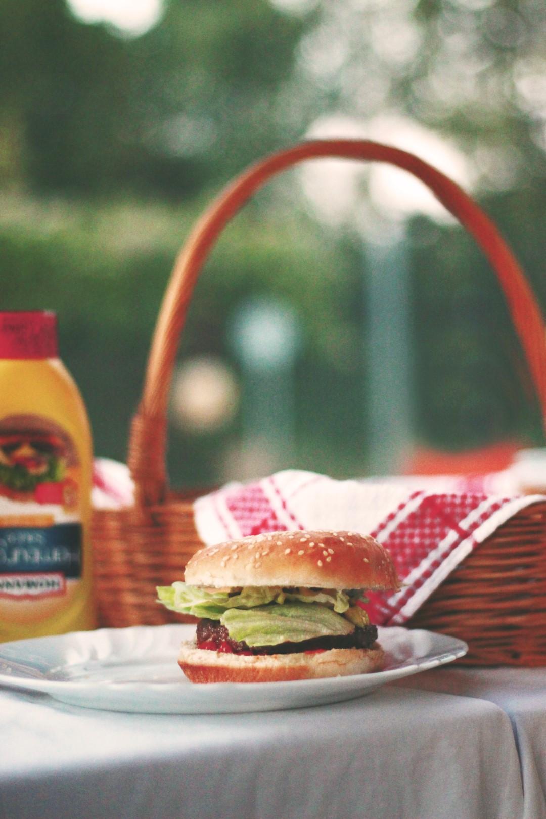 Community Picnic - Burger