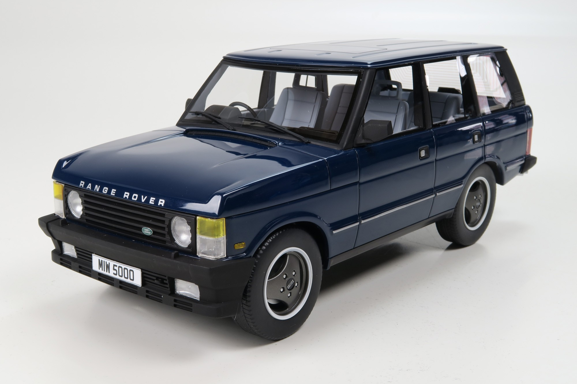 LS Collectibles Range Rover 1 18 blue