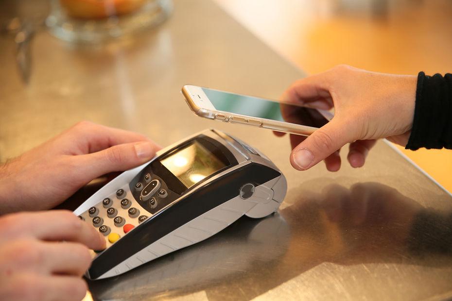 C'est le smartphone qui devrait le plus tirer son épingle du jeu sur le marché du paiement sans contact.