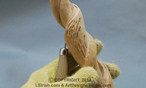 round gouge carving bark texture in wood carving