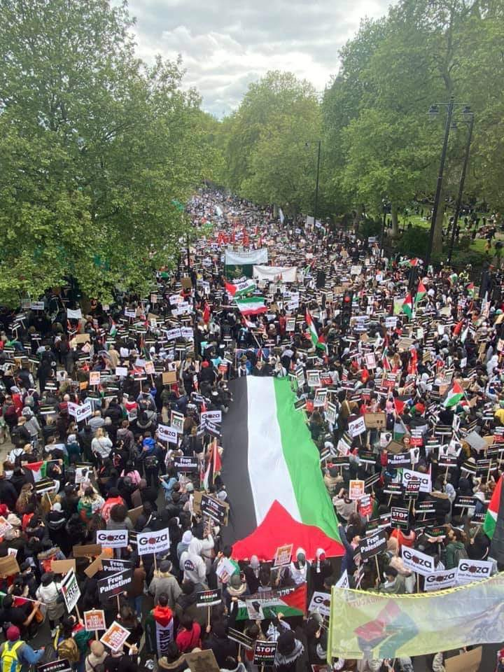 Hundreds of Thousands gather in London