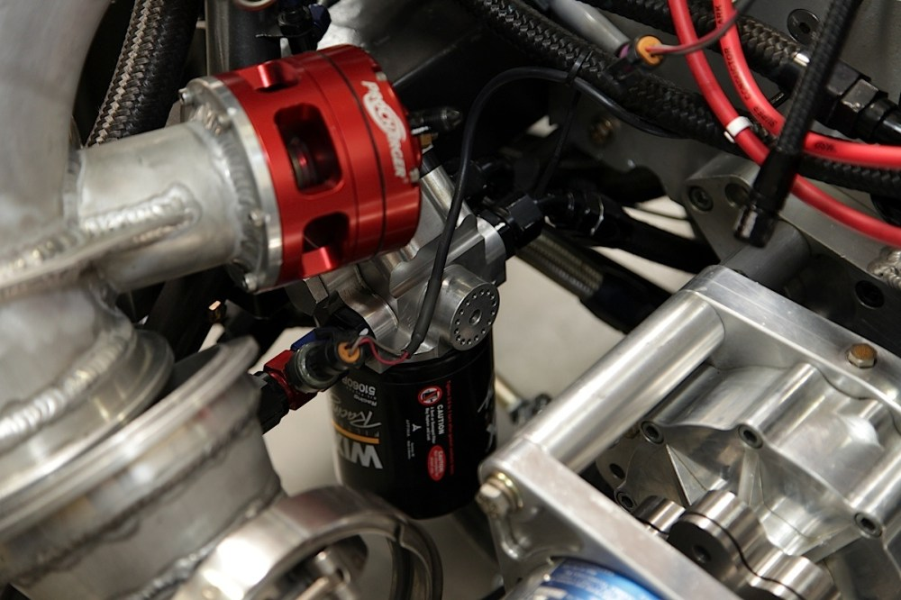 medium resolution of the oil filter simply spins on the underside of the filter mount and primer giving you easy access to it for servicing as well peterson has small and