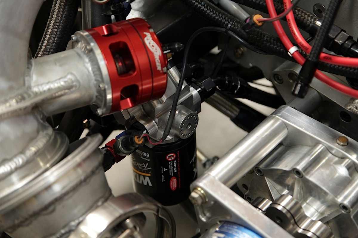 hight resolution of the oil filter simply spins on the underside of the filter mount and primer giving you easy access to it for servicing as well peterson has small and