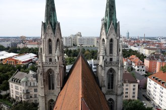 St. Pauls Kirche und Betongebirge Schwanthalerhöhe