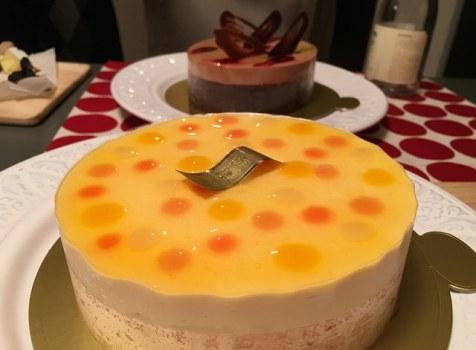 「イデミ・スギノ」のケーキでクリスマスパーティ。妖艶で軽やかなムースの口当たりが絶品!