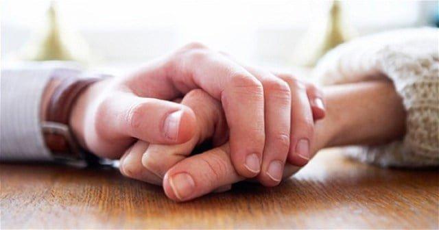 Hình đại diện Quan trọng nhất trong cuộc đời là có một người ở bên, cùng nắm tay và đi đến cuối con đường