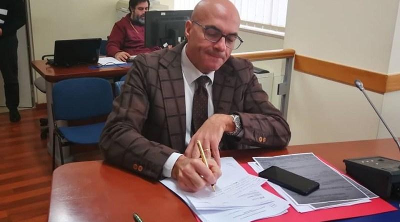 Bene per sospensione recupero indennità medici, ora soluzione definitiva e audizione dell'assessore Leone