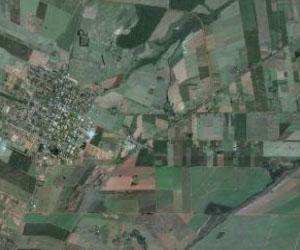 La città rurale di Paranacity (Brasile) e la campagna circostante. Immagine di Google Earth