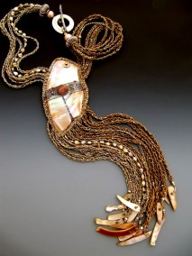 new-guinea-shell-with-braids-006