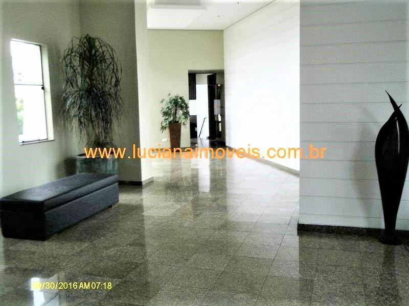 hu07670 (3)