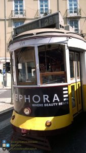 Lisbona - tram brandizzato SEPHORA
