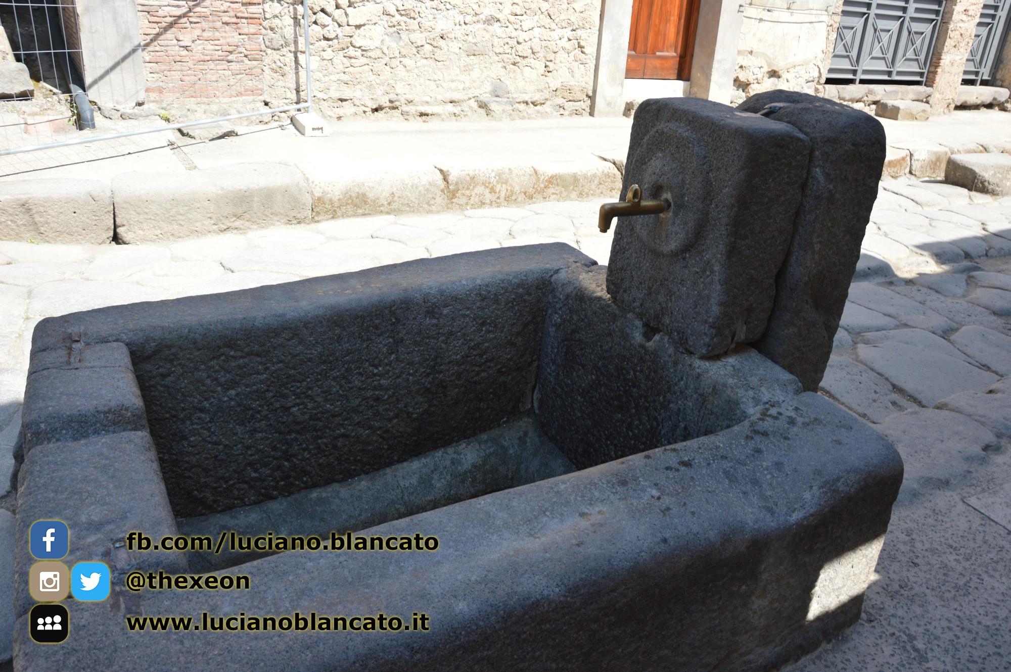 Pompei - scavi - la città - fontana