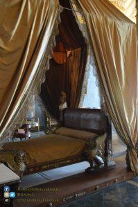 Reggia di Caserta - Appartamenti reali - dettaglio letto baldacchino