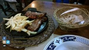 copy_Santiago de Compostela - cenetta tipica