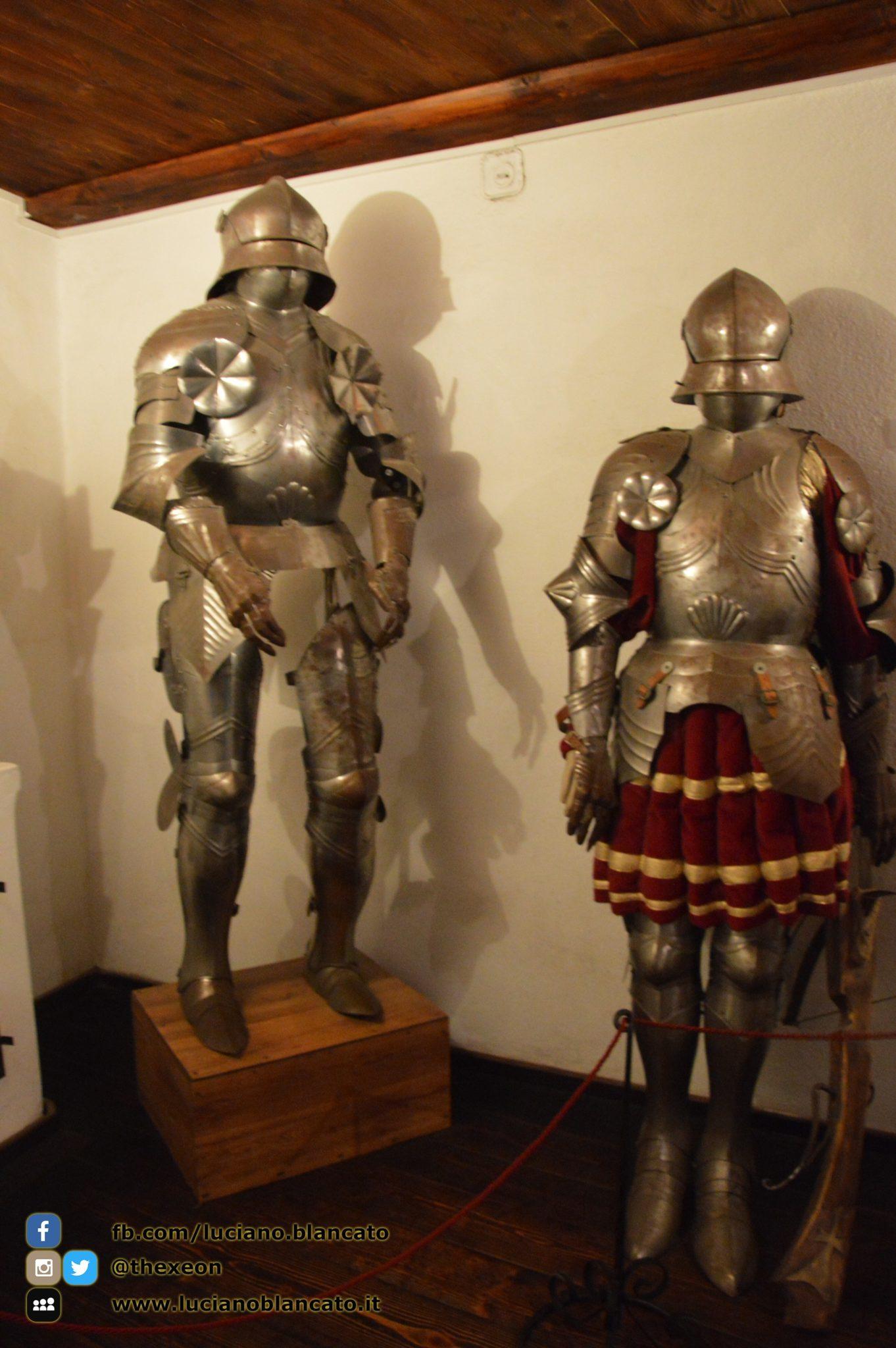 Bucarest - Castello di Bran - Armature