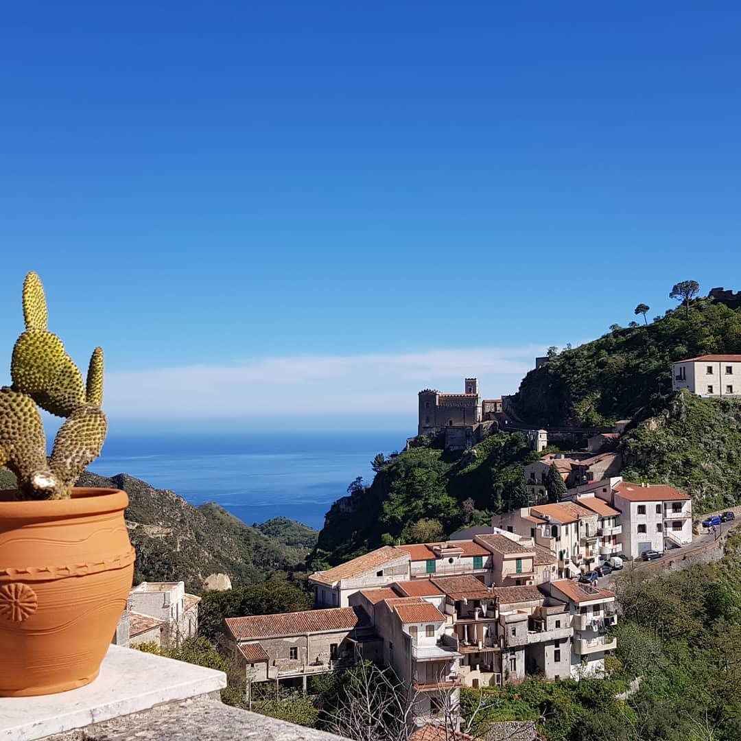 Torneremo a viaggiare! 🌍Stasera una cartolina dalla mia Sicilia  #taormina #savoca #etna #igersitalia #follow #likes #bhfyp #visitsicily #instalike #landscape #loves #art #sunset #igers #volgoitalia #catania #iorestoacasa #visitsicily #summer #natura #madeinitaly #sea #igersicilia #arte #likeforlikes #sicilianfood #blue #instafood #travelphotography #sky - from Instagram