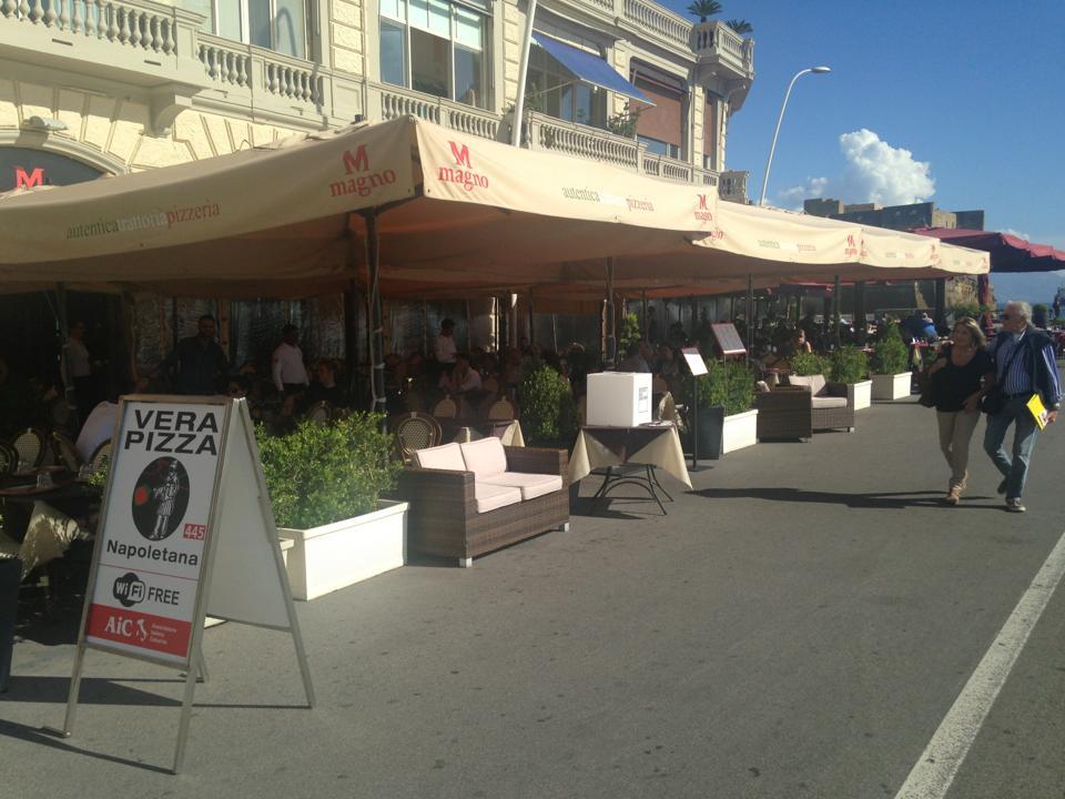 Napoli Pizzeria Magno sul lungomare  Luciano Pignataro WineFood Blog