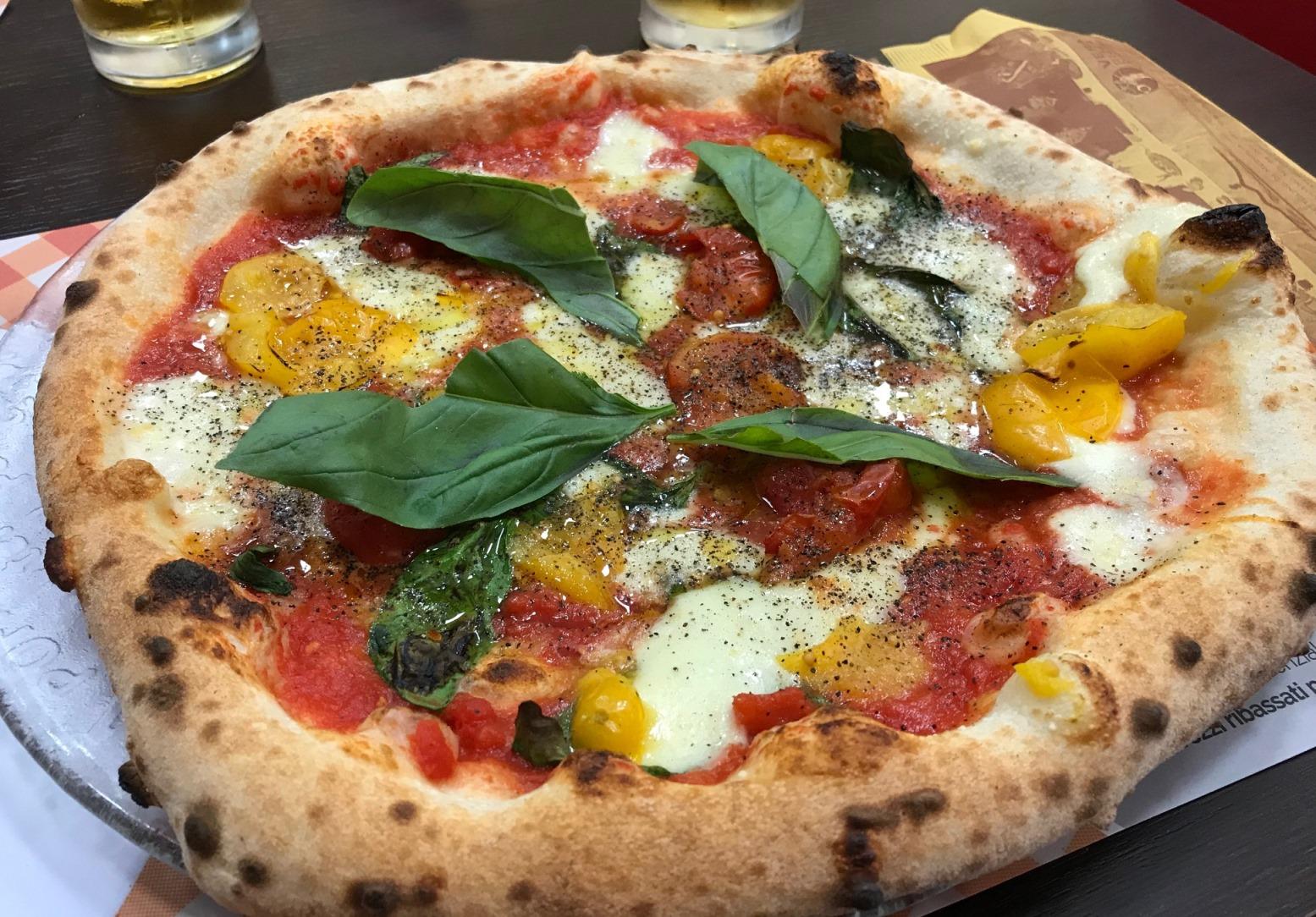 Pizzeria La Terrazza a Bettolino STG 317 la Margherita