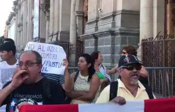 Indulto a Fujimori: José Antonio Kast entrega apoyo a decisión de PPK