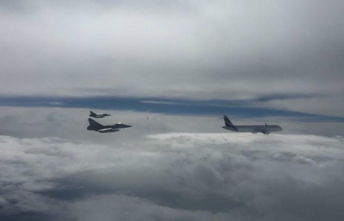 Aviones Mirage 2000 resguardaron Airbus A321 que trasladó al papa Francisco