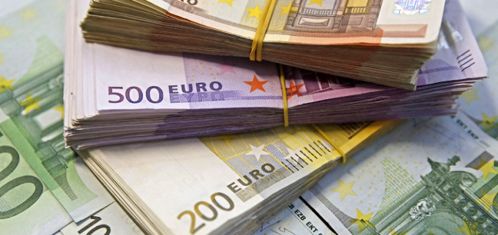 Italy in the MAELSTROM of the Euro