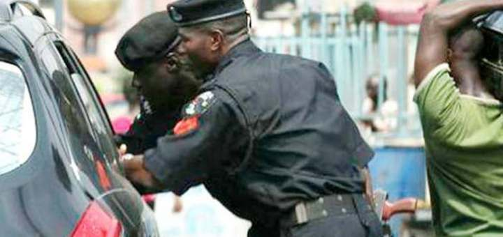 How drunk Lagos Police officers arrested and tried to extort N300,000 - Man recounts