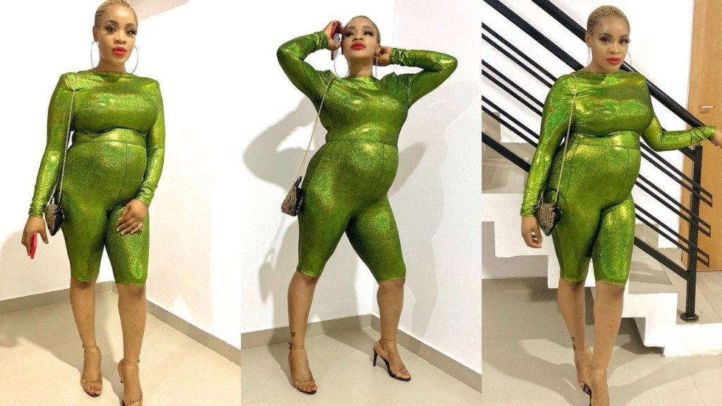 Nollywood Actress, Uche Ogbodo flaunts her Baby Bump in New Photos