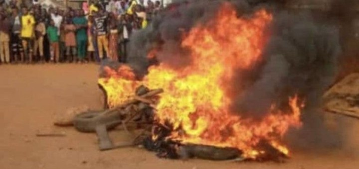Three POS robbers set ablaze in Imo