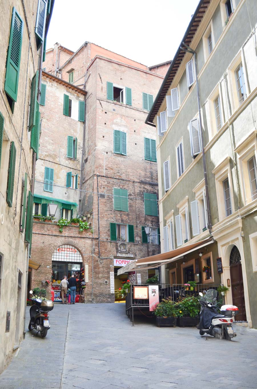 One Night in Siena Travel Guide