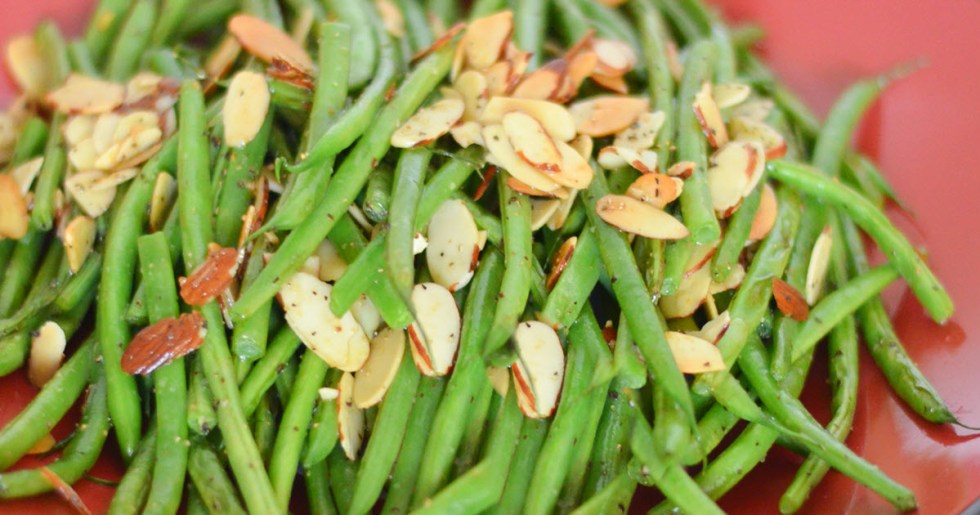 13 Healthy Holiday Side Dishes + Appetizers - Sauteed Almond Green Beans