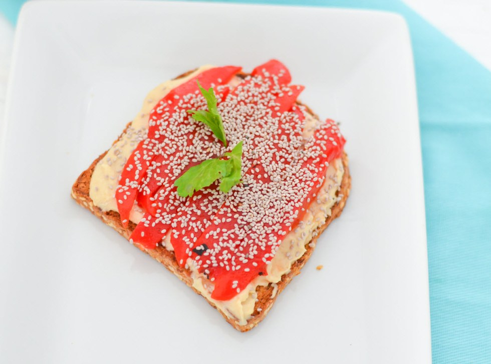 4 Ways to eat Hummus Toast | Vegan, Healthy Bread Toast Ideas Recipes | Roasted Bell Peppers + Chia Seeds | Luci's Morsels :: LA Healthy Food Blogger