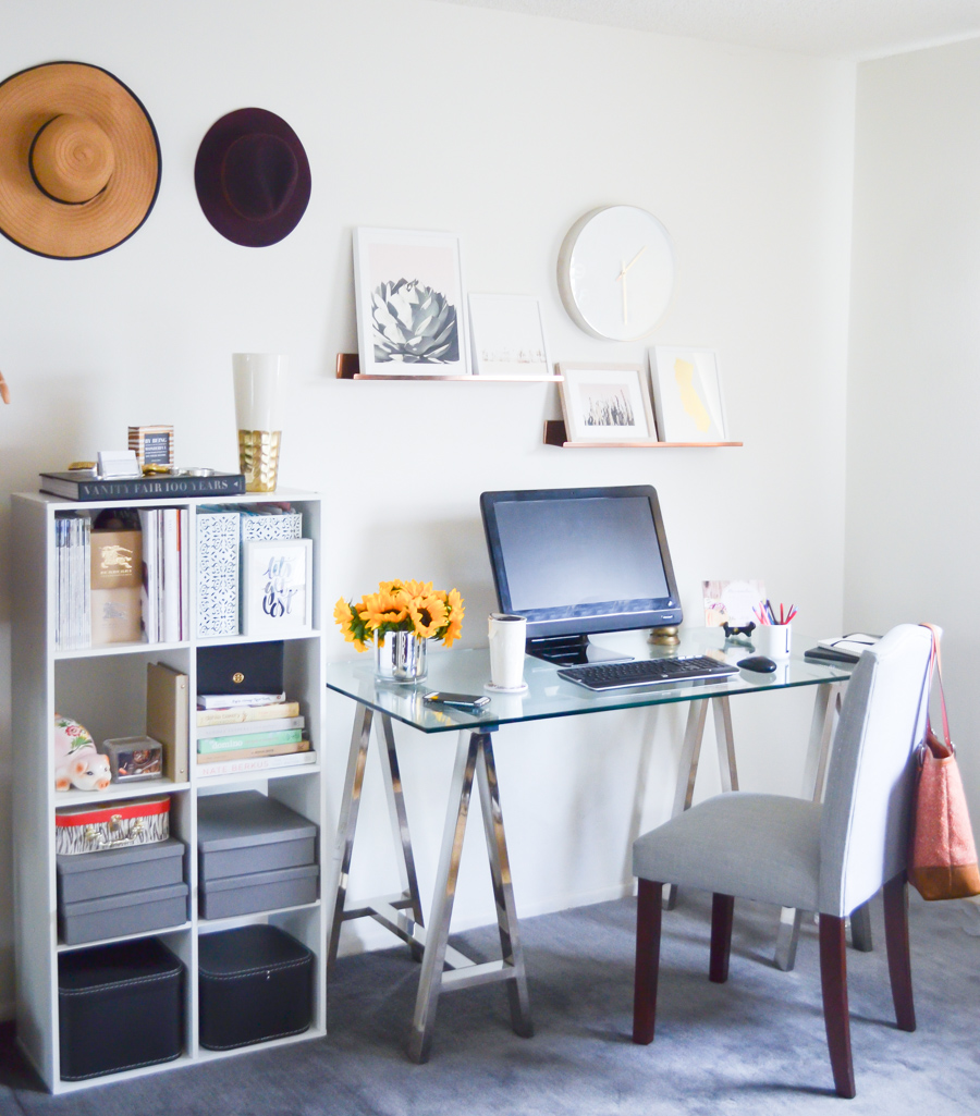 Blogger Home Office | Cute Bookshelf Setup +Art on Shelves