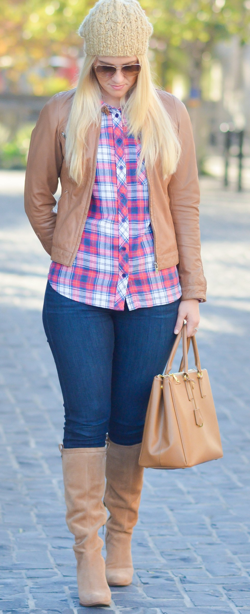 Look Chic in this Flannel Shirt Outfit with Dark Skinny Jeans and Knee High Suede Boots. A Perfect Fall Outfit Idea.